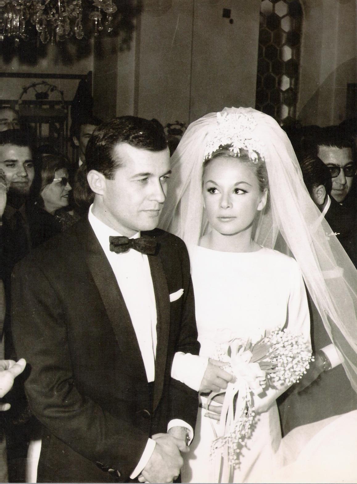 Image result for γαμοσ Δημήτρη Παπαμιχαήλ με τη Δέσπω Διαμαντίδου