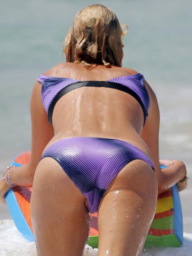 girl-bikini-oops
