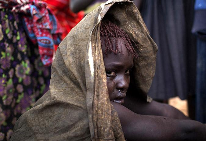 γυμνές εικόνες των Αφρικανών κοριτσιών μεγάλο πουλί τραβεστί σόλο