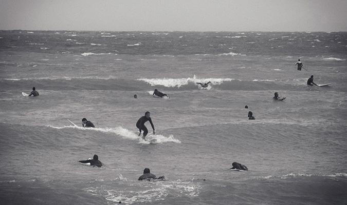 Question pour nicolas Caillou et autres surfoilistes Serfing-stin-athina-2