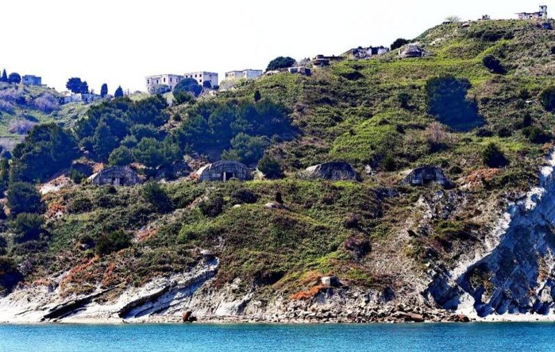 Μια ξεχασμένη ιστορία: Η νήσος Σάσων Και πώς παραχωρήθηκε από την Ελλάδα ΜΕ ΝΟΜΟ.....