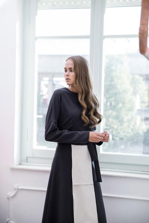 Η Έλια Τσερκέζου σχεδιάζει φορέματα και ρούχα για την γυναίκα που ζει τη  ζωή της ως ηρωίδα σε φιλμ νουάρ. Αν ψάχνεις vintage 30 s ρομαντικά  βελούδινα ... 2a82de53382