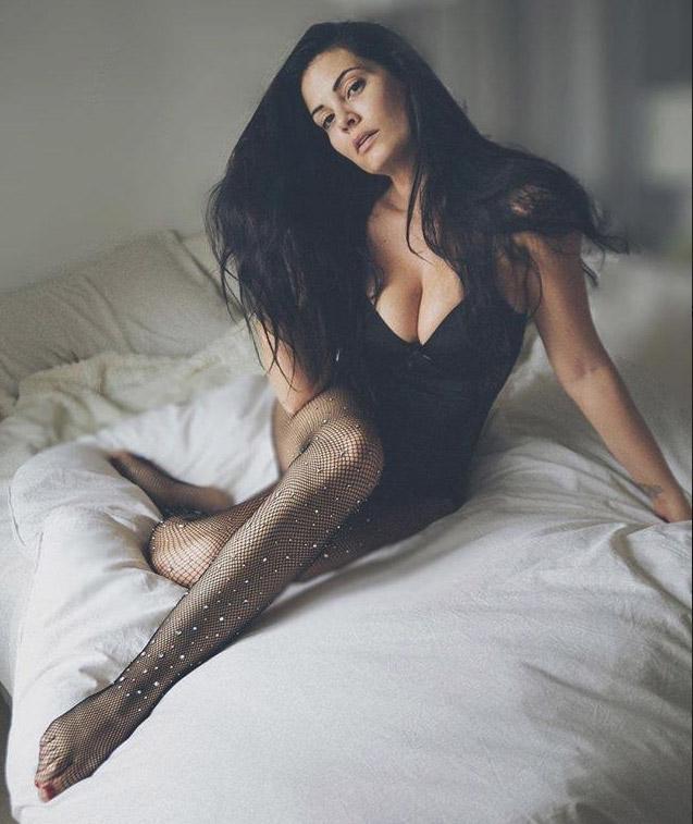Όμορφες μαύρες γυναίκες γυμνές φωτογραφίες