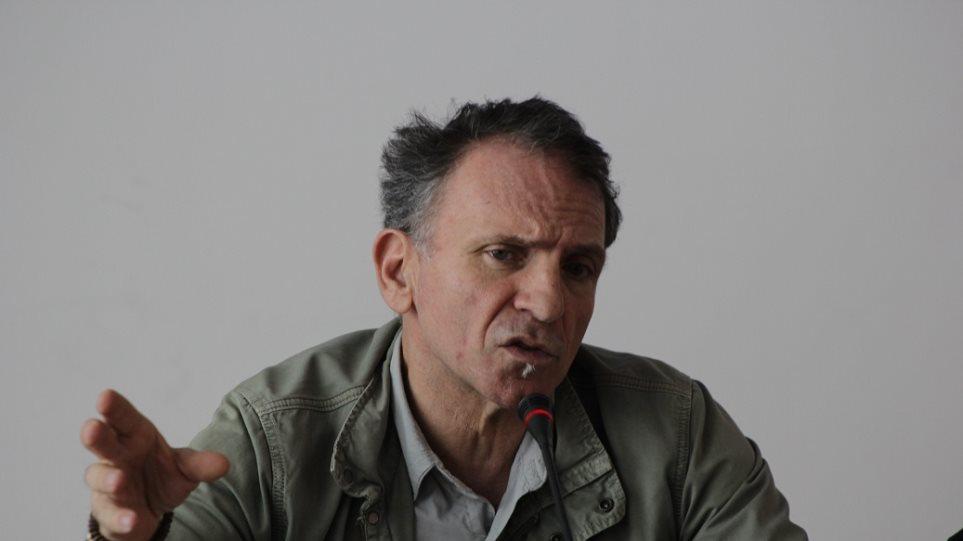 Γιάννης Μπεχράκης