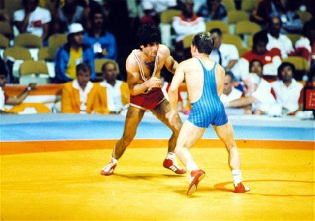 xolidis11 Πέθανε ο ολυμπιονίκης πάλης Μπάμπης Χολίδης