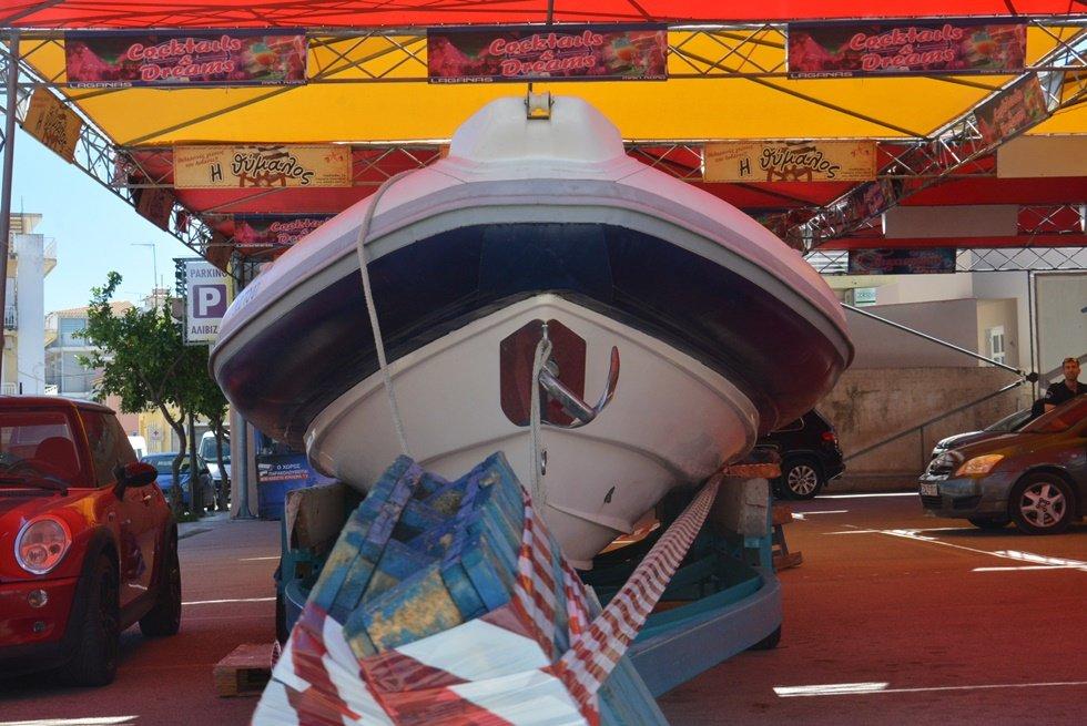 Μαφιόζικη εκτέλεση- Ζάκυνθος: Στα χέρια της ΕΛ.ΑΣ. ο οδηγός φουσκωτού σκάφους και το ταχύπλοο που φέρεται να φυγάδευσε τους δράστες - Τους μετέφερε από τη Ζάκυνθο στην Κυλλήνη;